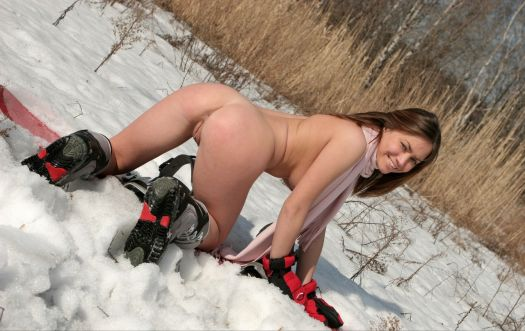 topless-snowboarder